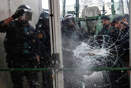DIRECTO: Zoido cifra en 87 millones de euros el despliegue policial en Cataluña