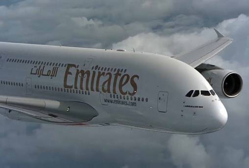 Emirates saves the giant Airbus A380 airliner with a 13 billion euro order