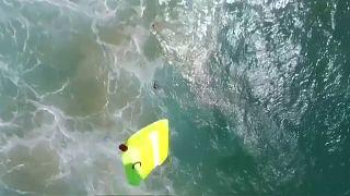 Premiere in Australien: Surfer mit Hilfe einer Drohne aus Seenot gerettet