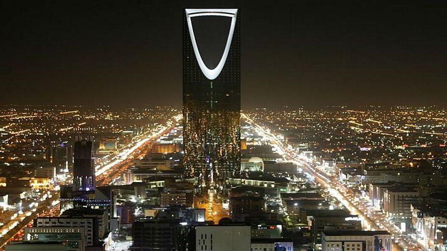 صورة من أرشيف رويترز لبرج المملكة في الرياض