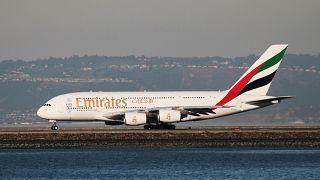 Η Emirates δίνει το «φιλί της ζωής» στο Α380