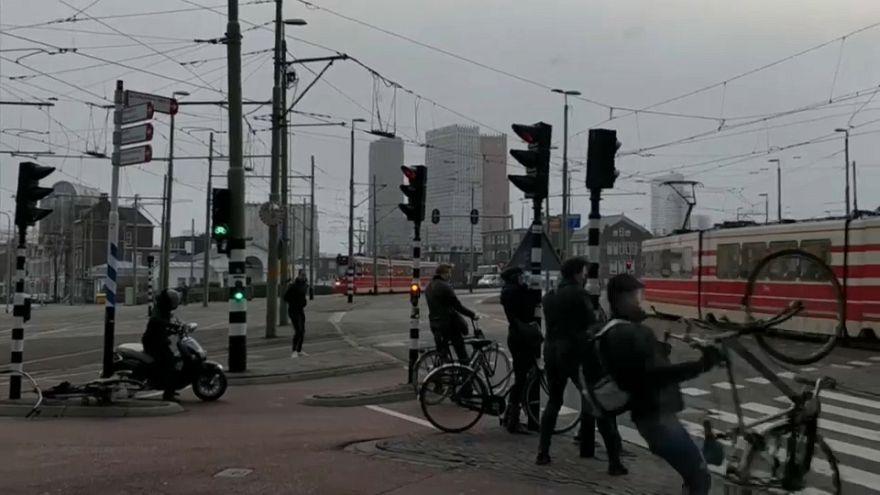 La tempesta Friederike spazza il nord Europa: 6 i morti