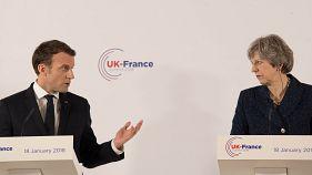 """Macron e May firmano """"accordo di frontiera"""""""