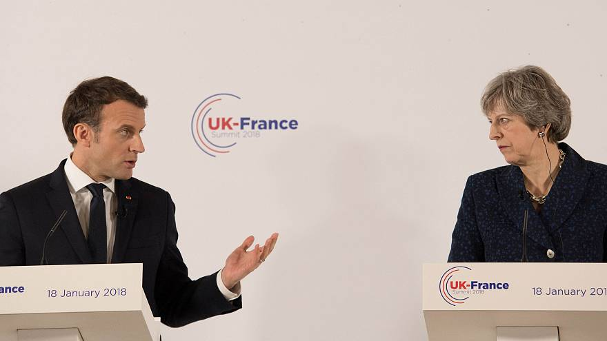 "Macron e May firmano ""accordo di frontiera"""