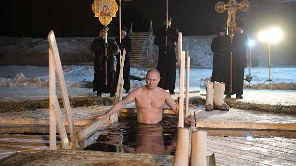 En Russie, le bain glacé de la Théophanie