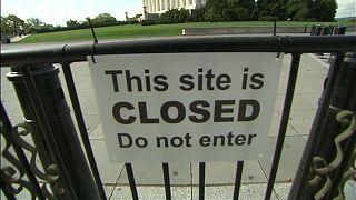 Федеральное правительство может прекратить работу