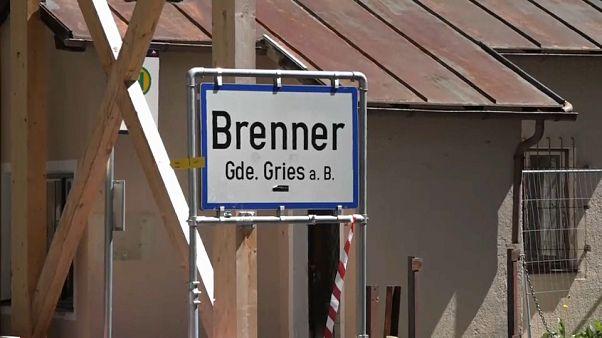 L'Austria annuncia: forze speciali anti-immigrati al confine