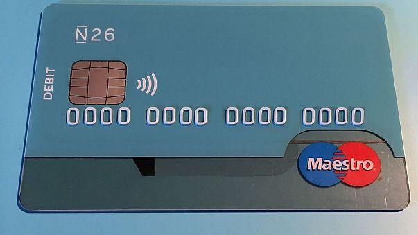 كنيسة فرنسية تقبل التقدمات خلال القداس عبر البطاقة المصرفية