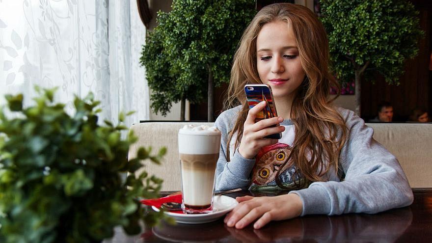 La adolescencia dura ahora desde los 10 hasta los 24 años, dice experto