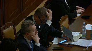 Felfüggesztette a cseh miniszterelnök mentelmi jogát a parlament