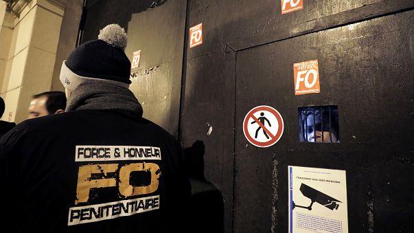 Guardas prisionais franceses em pé-de-guerra