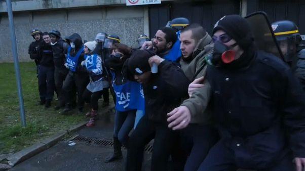 Francia, la rivolta degli agenti penitenziari