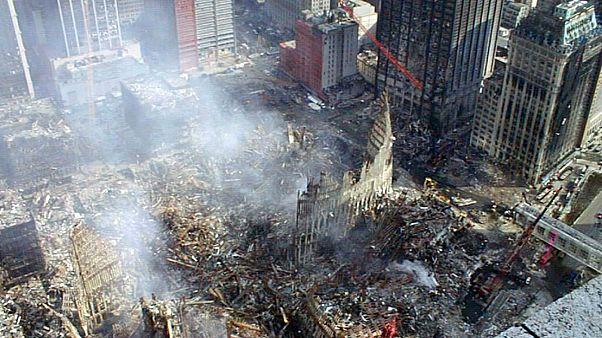 ویرانههای برج تجارت جهانی در نیویورک پس از حمله ۱۱ سپتامبر