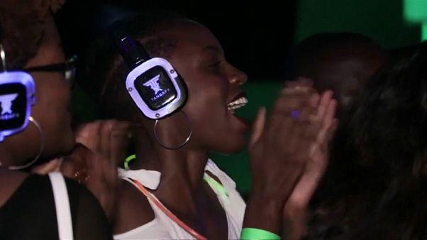 Тихая дискотека в Уганде