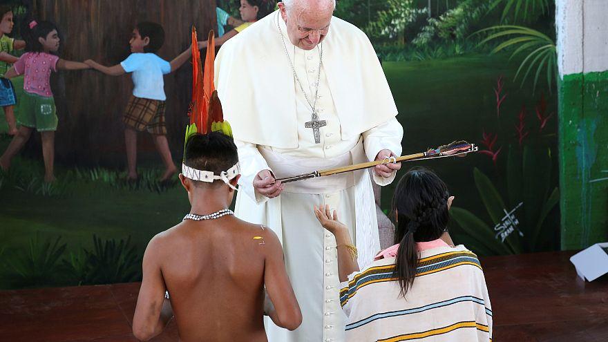 Ο Πάπας Φραγκίσκος στο πλευρό των ιθαγενών του Αμαζονίου