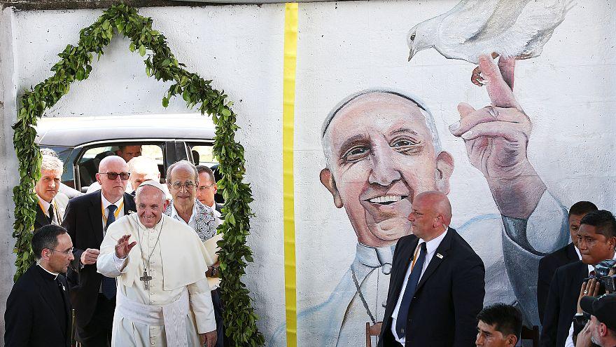 Papst prangert Umweltzerstörung im peruanischen Urwald an