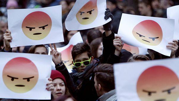 Ungheria: studenti in piazza a Budapest contro Orban