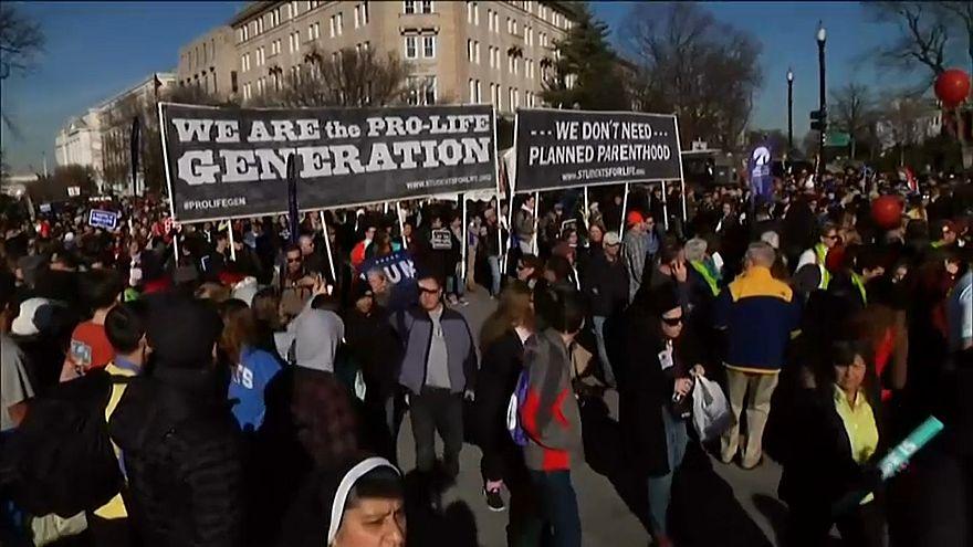Противники абортов в США получили поддержку Трампа