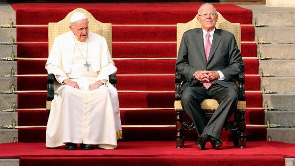 Pope condemns corruption on Peru trip