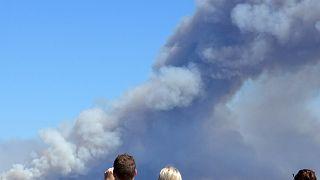 Bushfires rage at Sydney's Royal National Park
