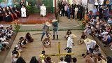 Amazonlu evsiz çocuklardan Papa Francis'e gösteri