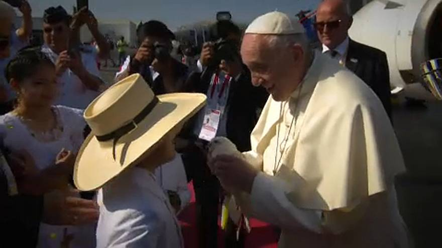Árvízkárosultakkal együtt imádkozott a pápa