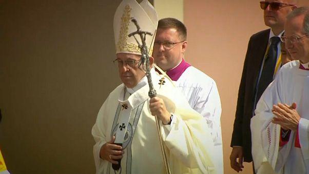 El papa Francisco visita la localidad peruana de Trujillo