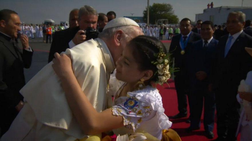 Perù: il papa tra le vittime del Niño costiero