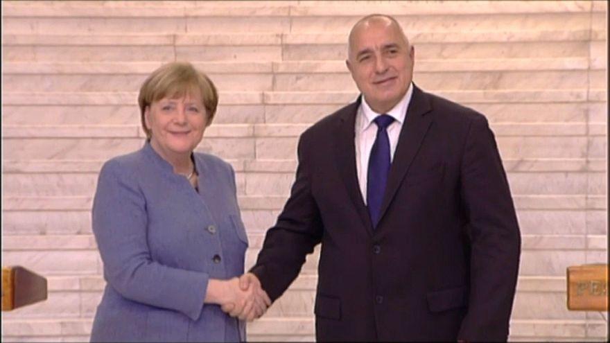 """Merkel agradece a Bulgaria su """"duro trabajo"""" en la frontera con Turquía"""