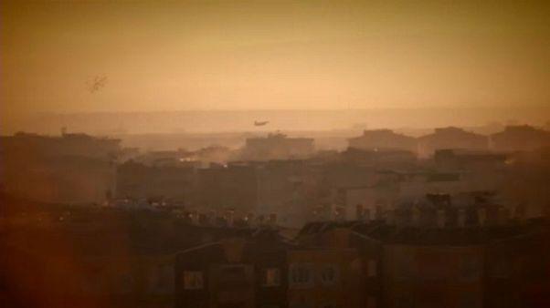Török bombázók Szíria fölött