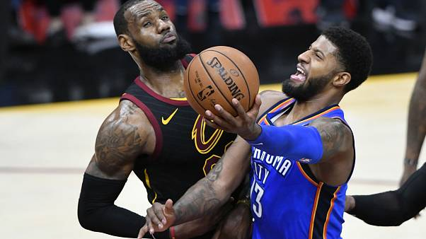 NBA : Cleveland sombre encore