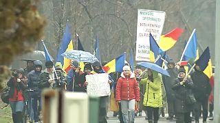 """Romania in piazza per dire """"no"""" alla corruzione"""