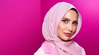 مدل محجبه به خاطر توییتهای ضد اسرائیلی عذرخواهی کرد