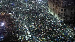 Thousands of Romanians turn out for Bucharest anti-corruption protest