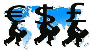 سکوت بانک مرکزی در برابر افزایش بیسابقه نرخ ارز، یورو از مرز ۵۸۰۰ تومان گذشت
