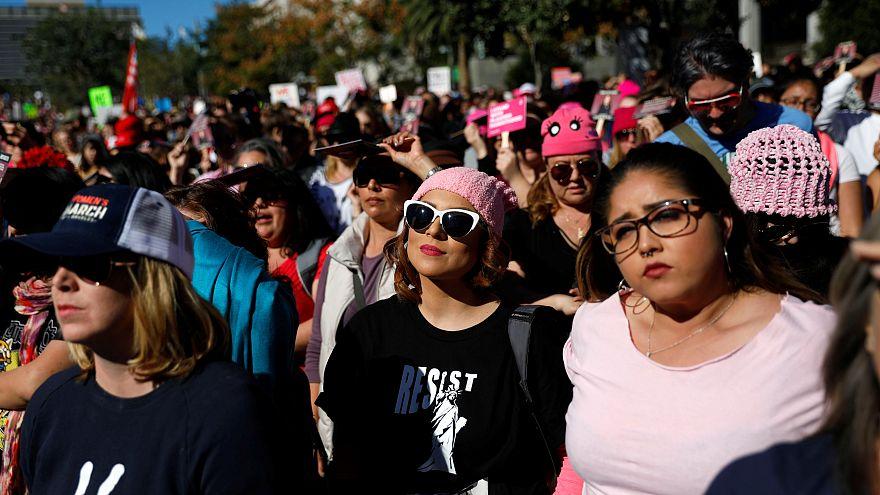 Una foto della protesta di Los Angeles
