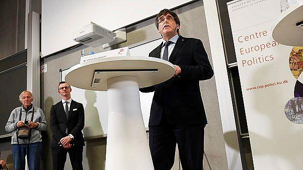 Crónica: La Cataluña de Puigdemont a debate, lejos de España