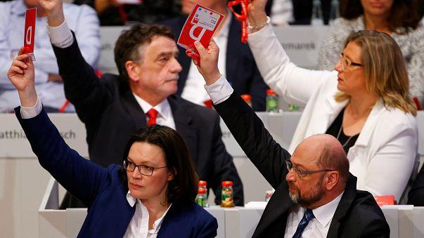 Almanya'da Sosyal Demokratlar koalisyon görüşmelerine 'evet' dedi