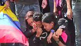 Las autoridades venezolanas entierran a los sublevados ignorando a sus familias