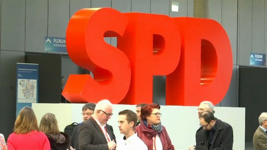 Germania: la Spd dice si al governo di coalizione con la Merkel