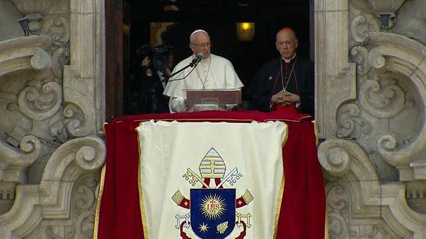 """Ultimo giorno del Papa in Peru'. Forte messaggio conto il """"femminicidio"""""""