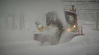 Thousands trapped as Zermatt cut off by snow again