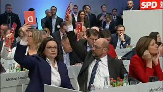 SPD back coalition talks with Merkel's conservatives