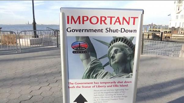 Government shutdown looms over US working week