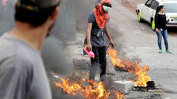 Νέες συγκρούσεις μεταξύ διαδηλωτών και δυνάμεων ασφαλείας