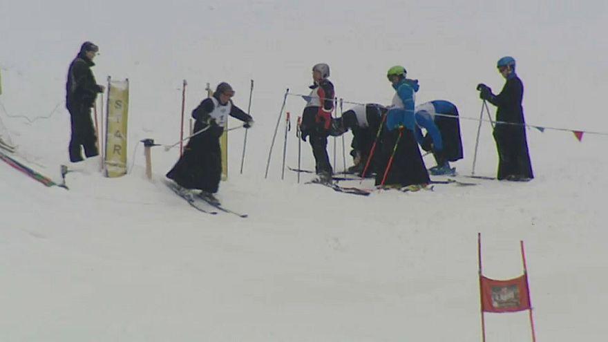 Esquiar de sotaina no sul da Polónia