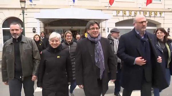 Carles Puigdemont ilk kez Belçika sınırlarını terk ederek Danimarka'ya gitti
