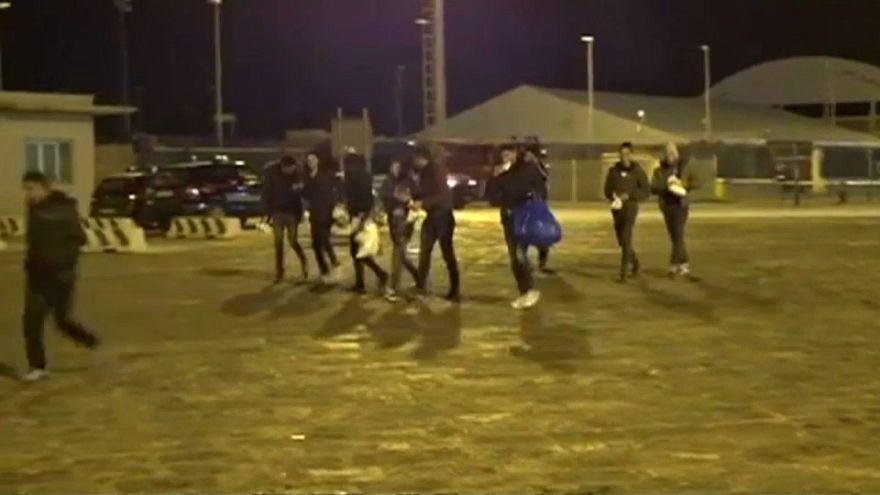 Denuncia di Mareamico: a Porto Empedocle ai migranti subito il foglio di via