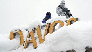 Zuviel Schnee in Davos