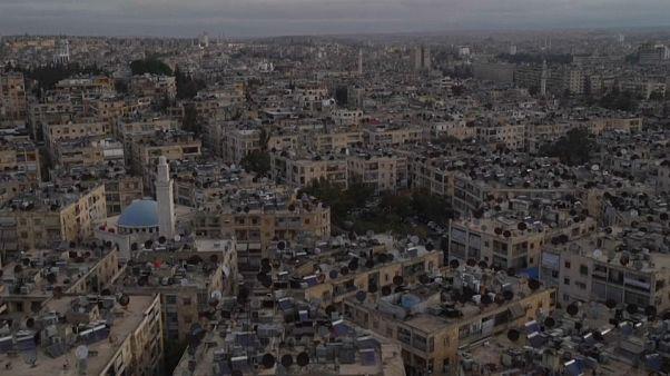 Historischer Markt von Aleppo liegt in Trümmern